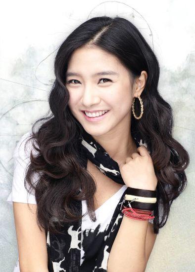 Bio data dan Profil Kim Sa Eun
